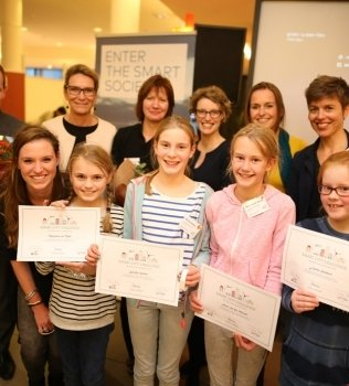 Smart City Challenge for Girls Groningen: pakketvervoer via drones of vliegend tapijt
